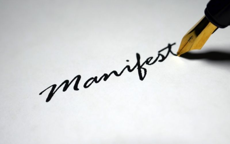 Manifesting by writing things down